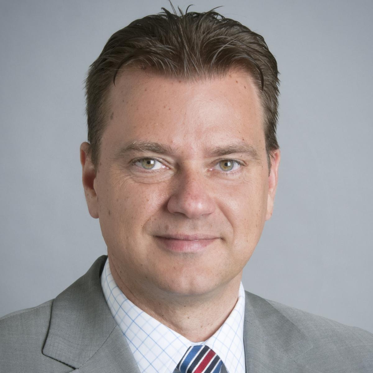 Dr Robert Zivadinov